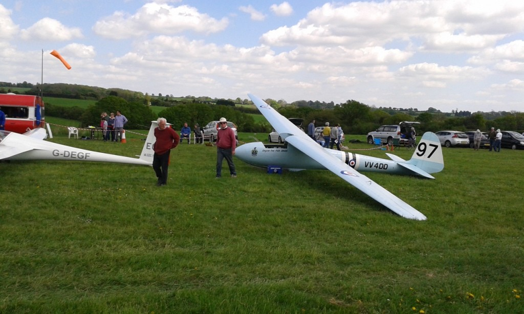 A chance to impress visitors with the one of the modern gliders at out club